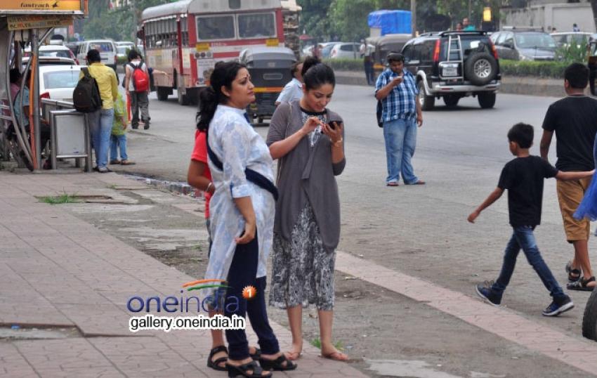 Yami Gautam Snapped in Andheri Photos