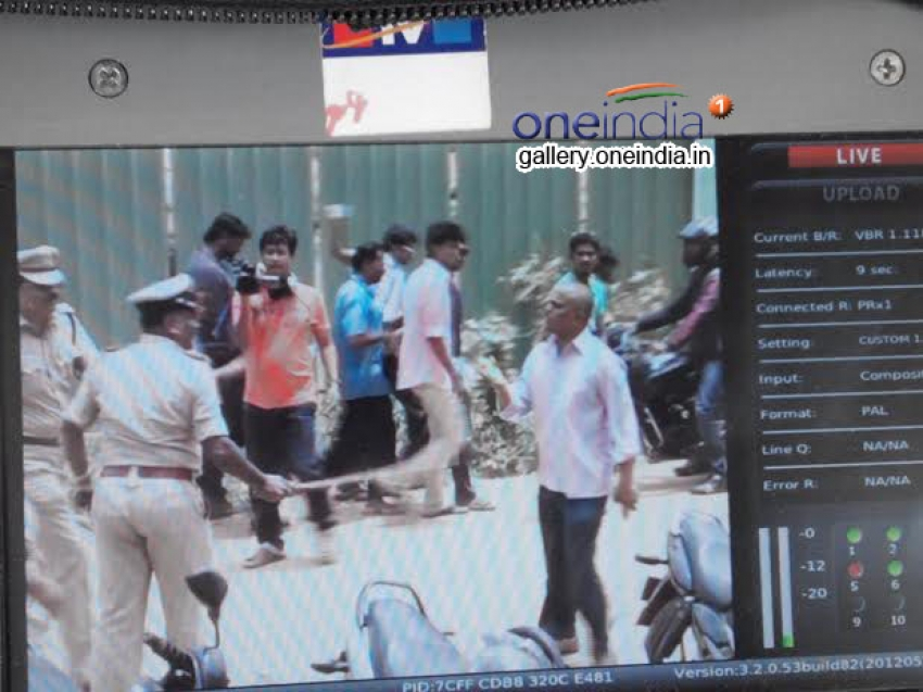 Police Resort to Lathicharge as ABVP Protest Turns Violent Photos