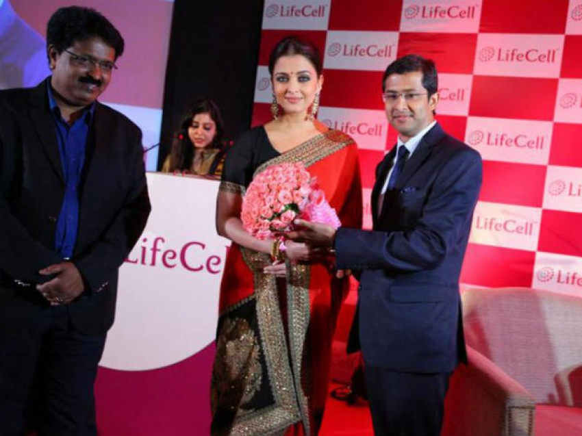 Aishwarya Rai Stuns in Sari at Life Cell Event Photos