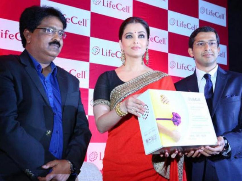 Aishwarya Rai Stuns in Sari at Life Cell Event Photos