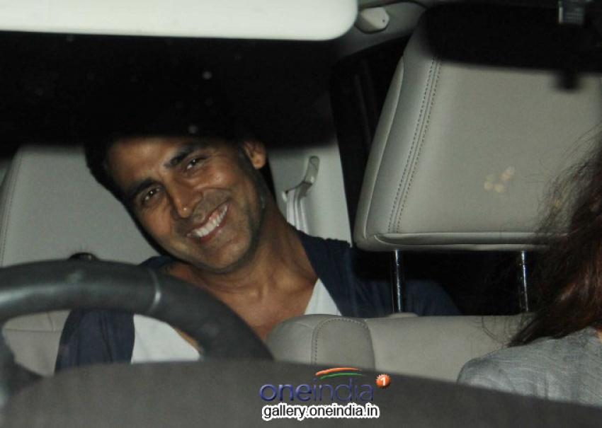 Akshay Kumar Snapped at PVR Juhu Photos