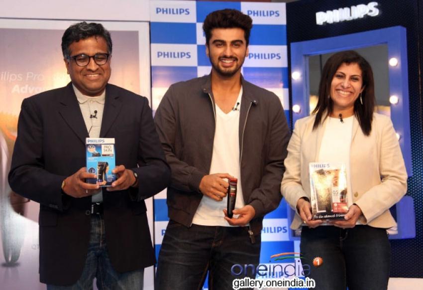 Arjun Kapoor endorses Philips India's male grooming range Photos
