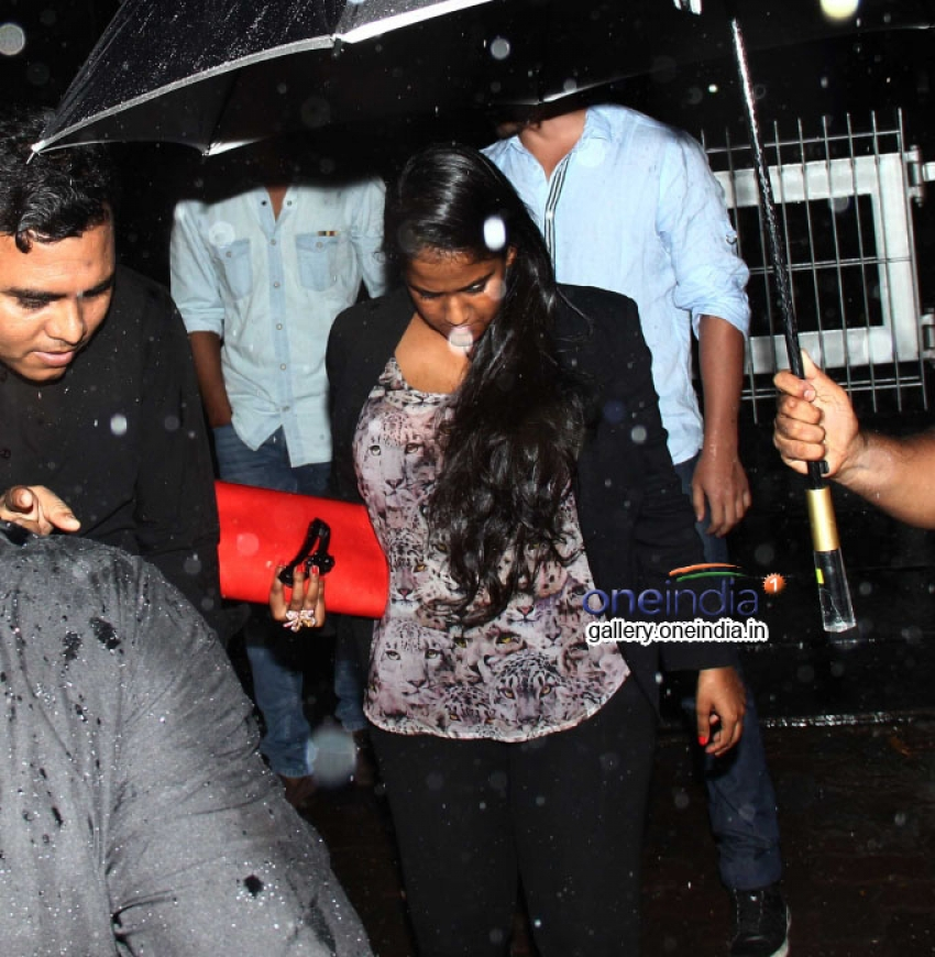 Arpita Khan and Dino Morea snapped at Royalty Bandra Photos