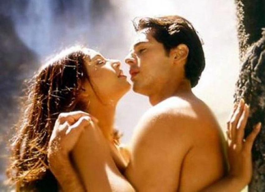 Bollywood's Intimate Scenes at Unusual Locations Photos