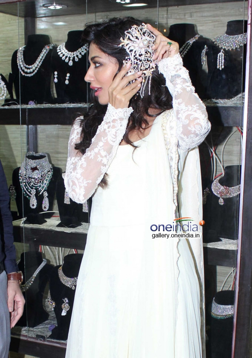 Chitrangada Singh inaugurates Glamour North Mumbai 2014 Photos
