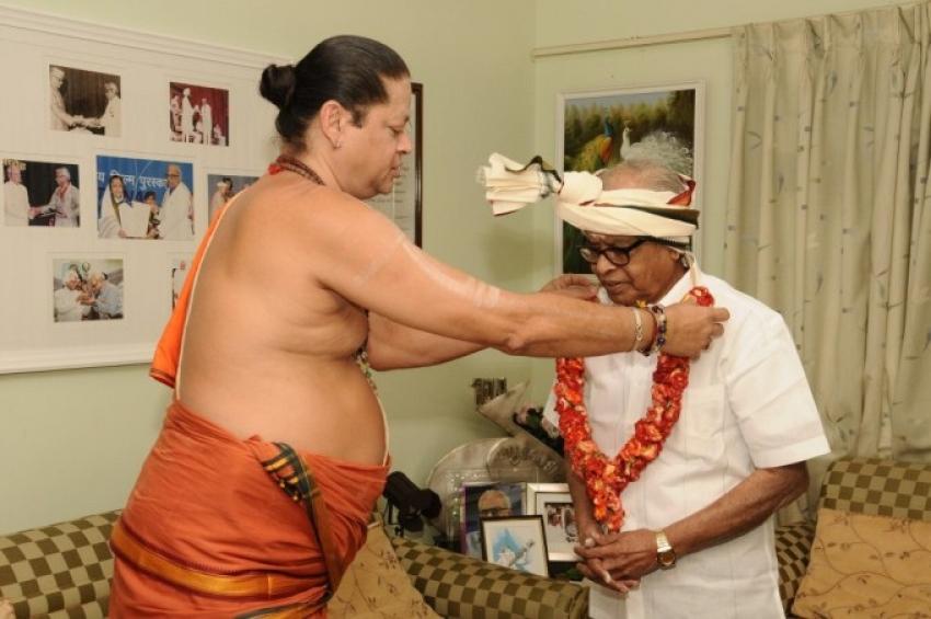 Director K. Balachander Birthday Celebration Photos