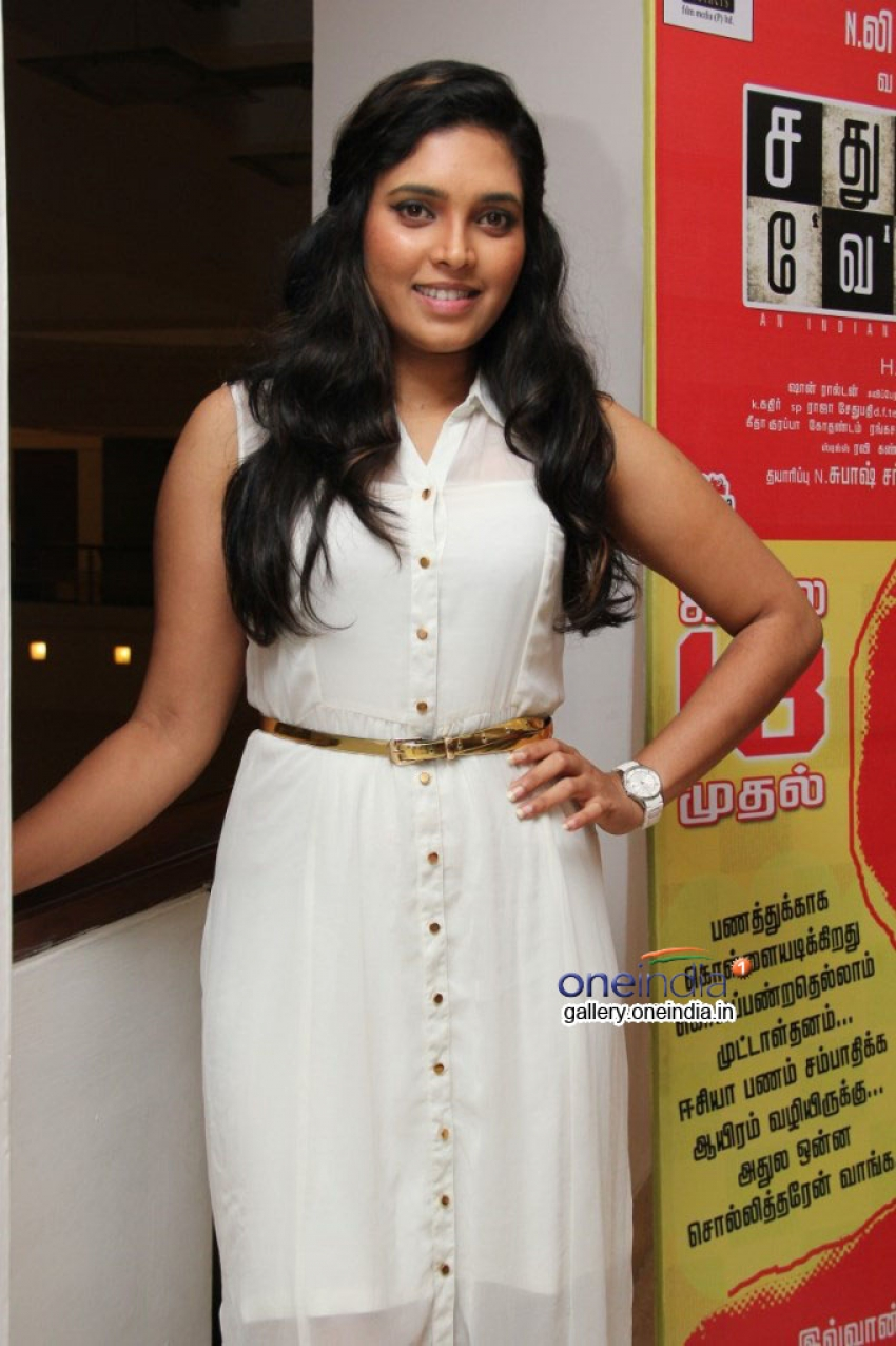 Sathuranga Vettai Press Meet Photos