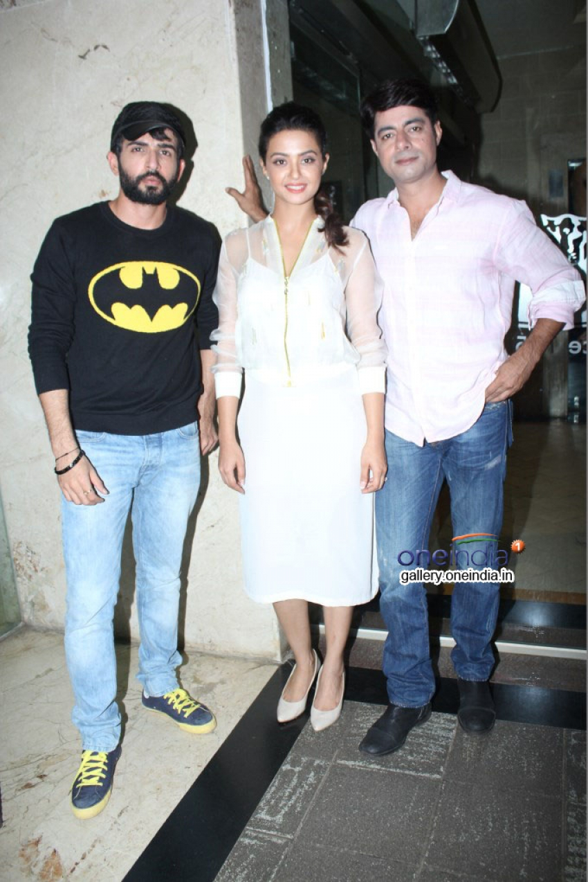 Hate Story 2 Promotion at Growells Mall Photos