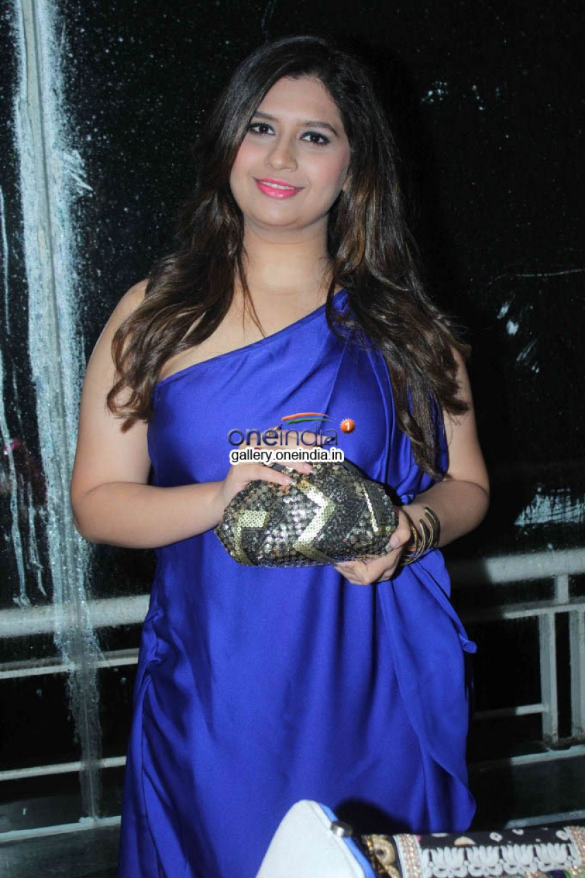 Manali Jagtap Launches Bridal Handbag Collection Photos