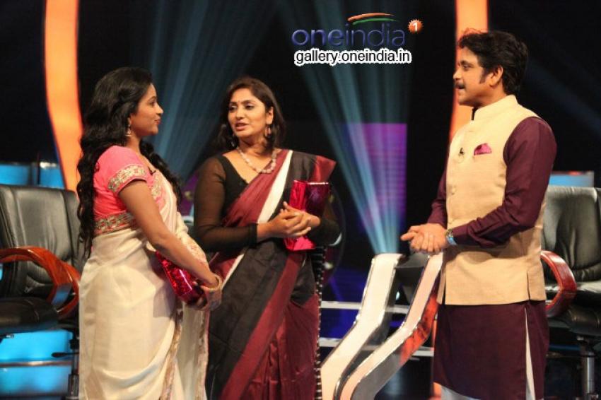 No 1 Show Meelo Evaru Koteeswarudu Photos
