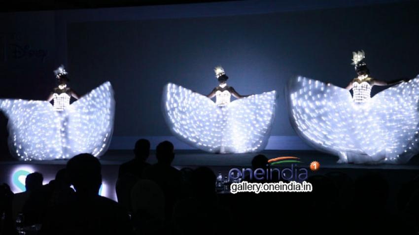 Mandira Bedi unveils the new Philips-Disney imaginative Lights!! Photos
