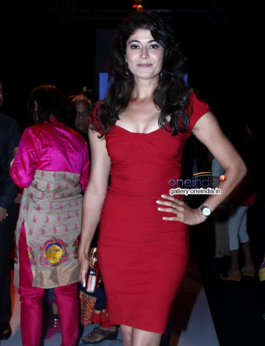 Pooja Batra Photos