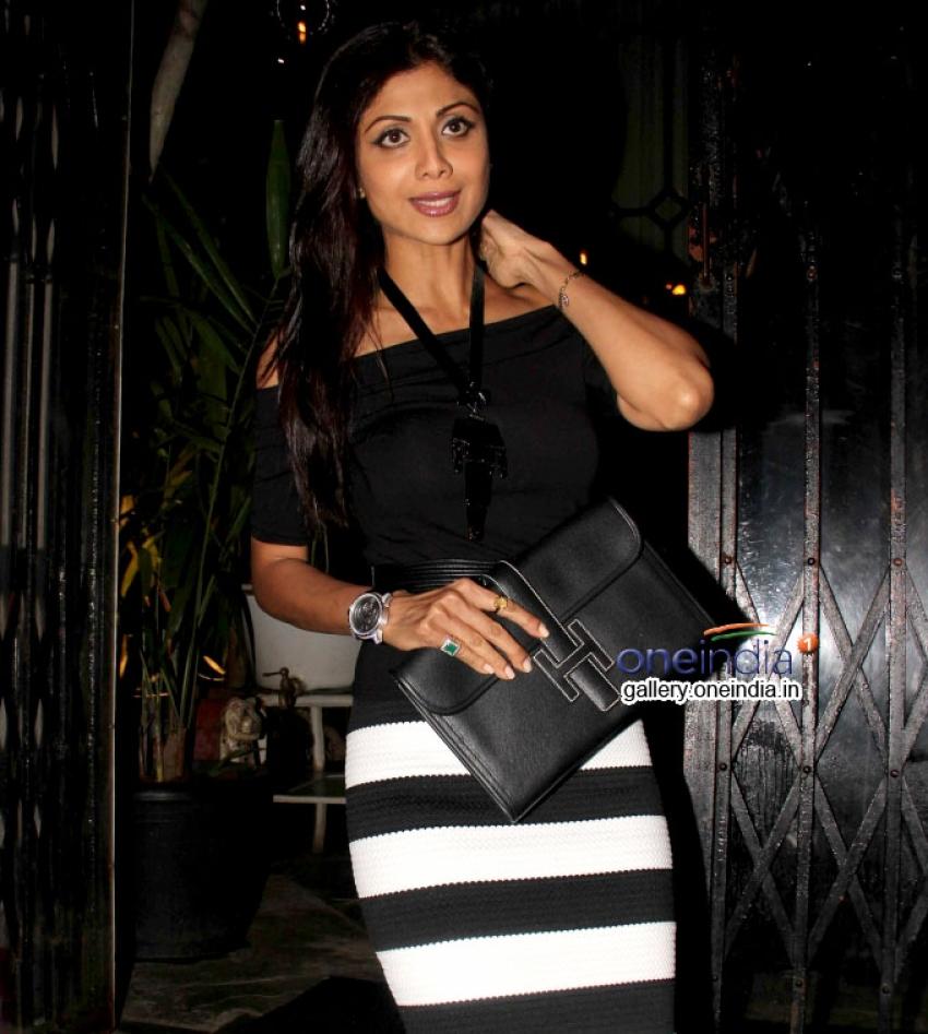 Shilpa Shetty, Bipasha Basu snapped at nido Photos
