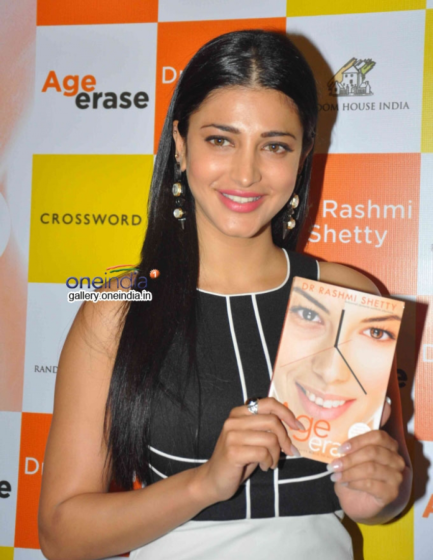 Shruti Haasan launches Dr. Rashmi Shetty's book Age Erase Photos