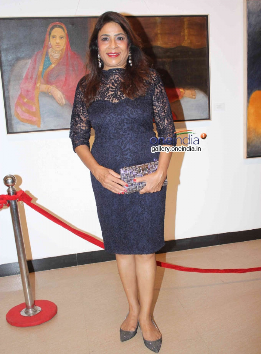 Sonakshi Sinha inaugurates Prafulla Dahanukar art exhibition Photos