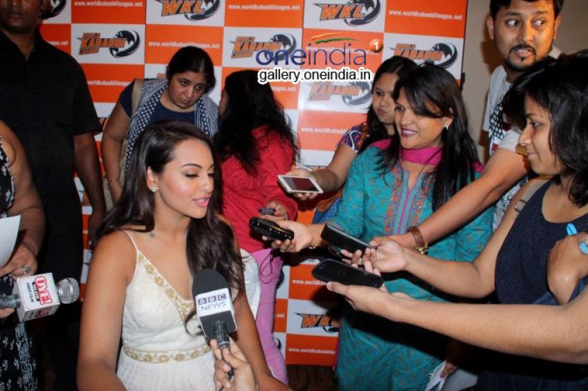 Sonakshi Sinha at Pro Kabbadi League Press Meet Photos