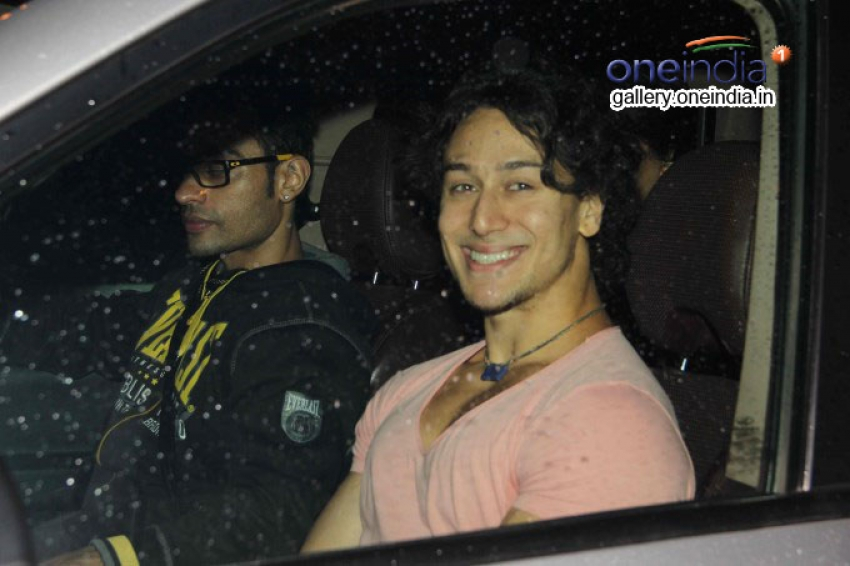 Tiger Shroff Snapped at Juhu Photos