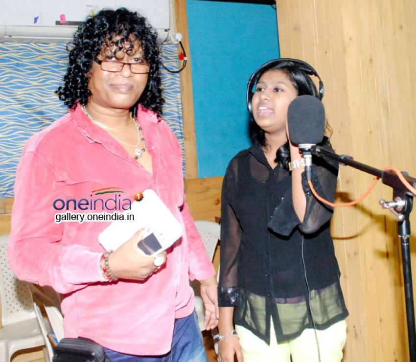 Sanchiti Sakat dubs a emotional song for film Dhund lenge Manzil Hum Photos