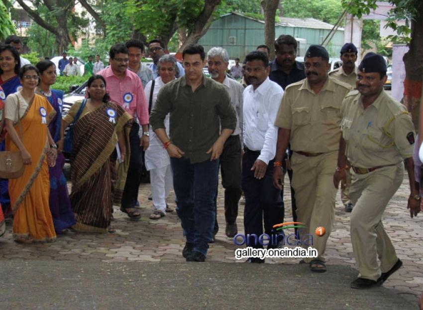 Aamir Khan Launched 'My Marathi' Book Photos