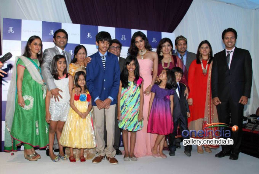 Chitrangada Singh Unveils Make Time Stop Collection Photos