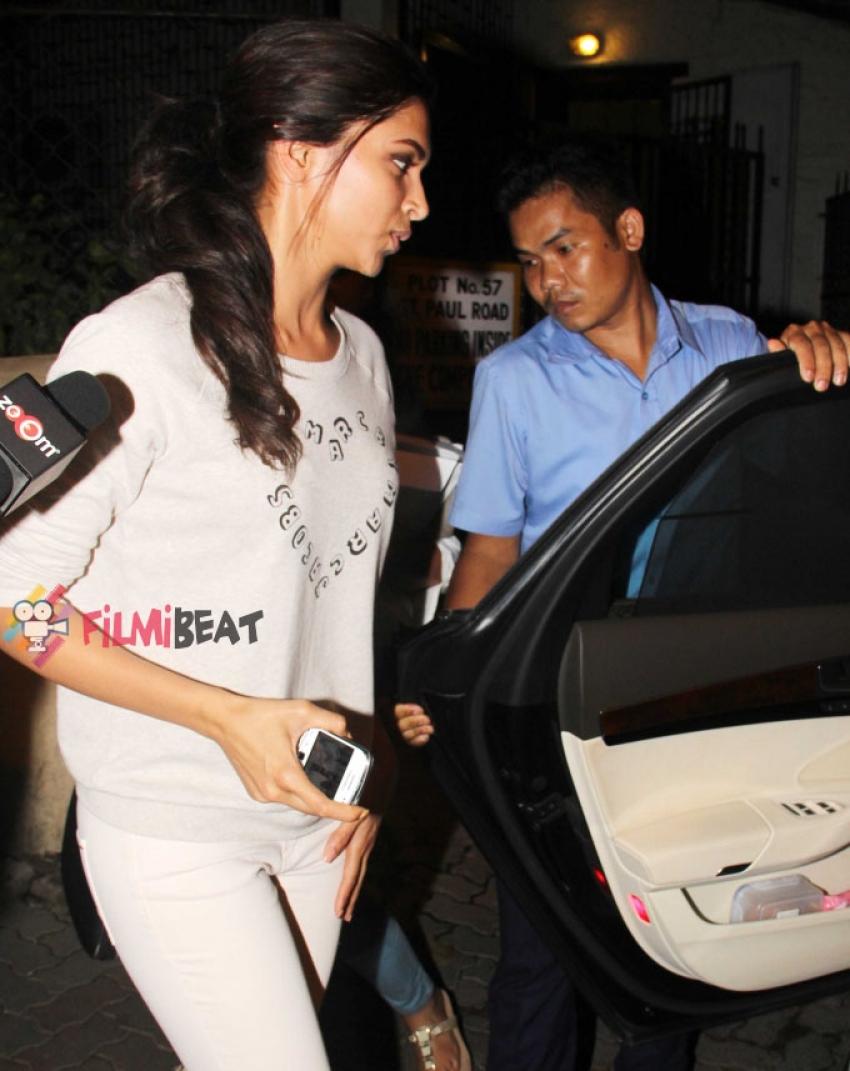 Deepika Padukone snapped at Shankar Mahadevan's Studio Photos
