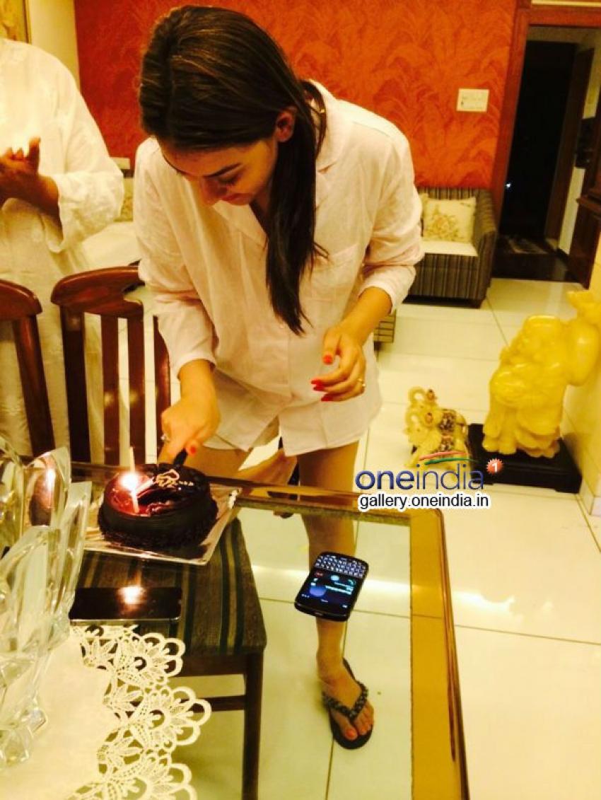 Hansika Motwani Celebrates her 23rd Birthday Photos