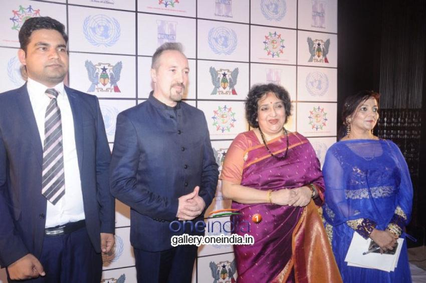 Mrs. Latha Rajinikanth Press Meet Photos
