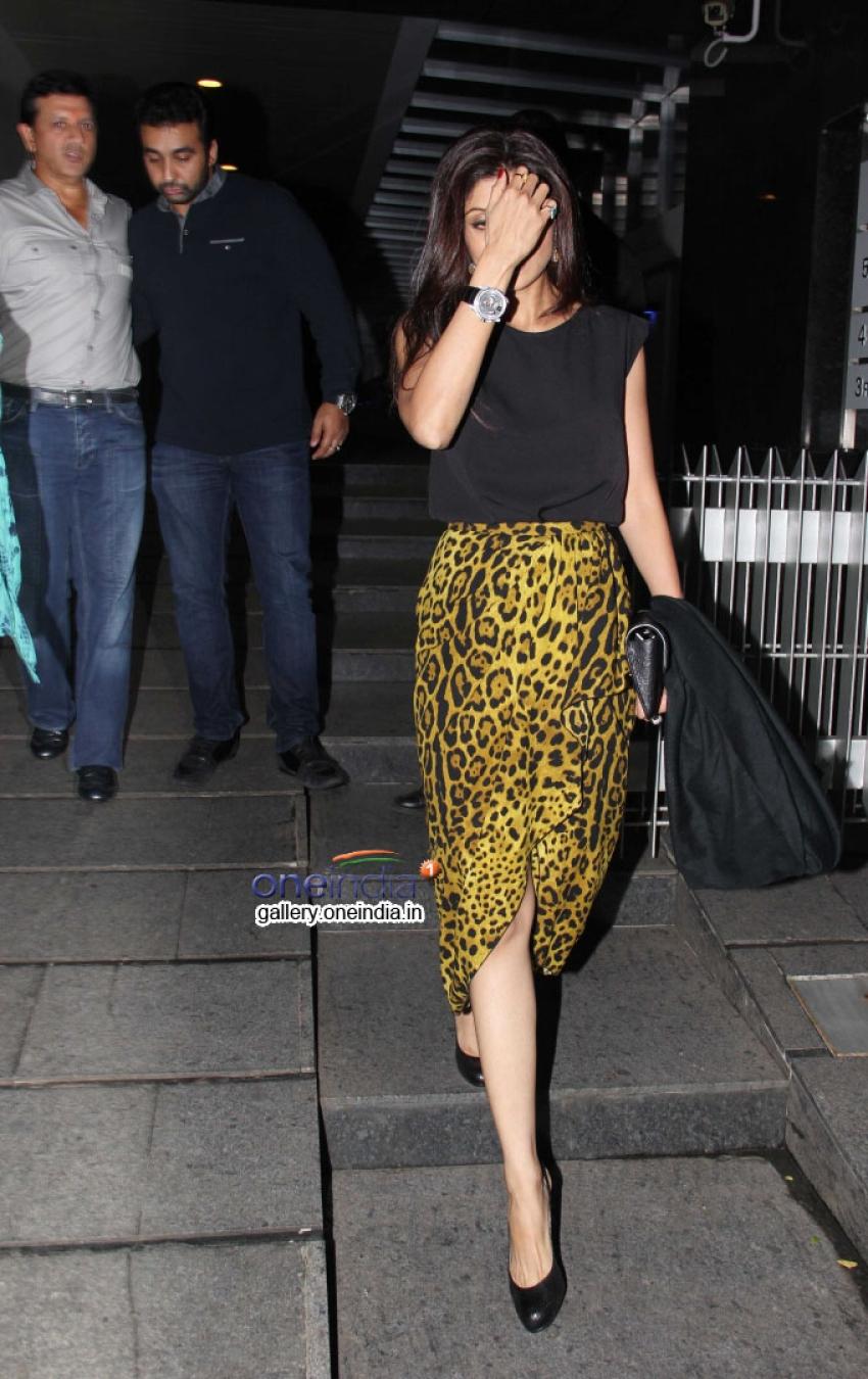 Shilpa Shetty snapped at Hakkasan Bandra Photos