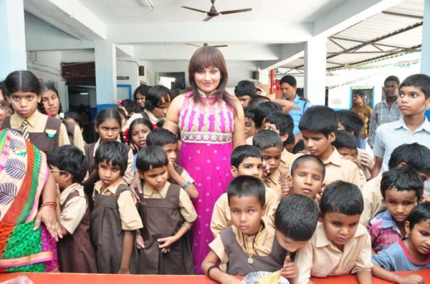 Ramyasri Celebrated her birthday in Devnar Blind School Photos