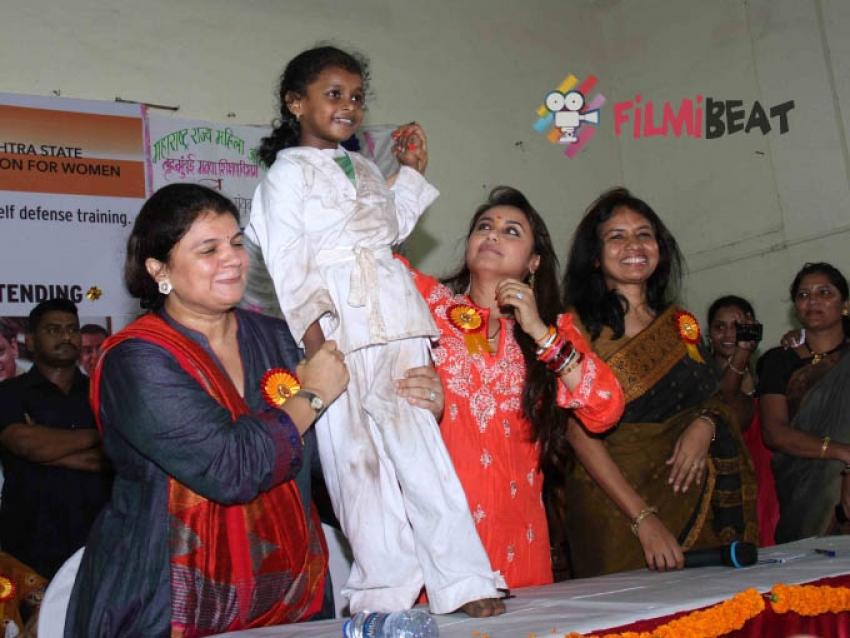 Rani Mukerji inaugurates self defence workshop Photos