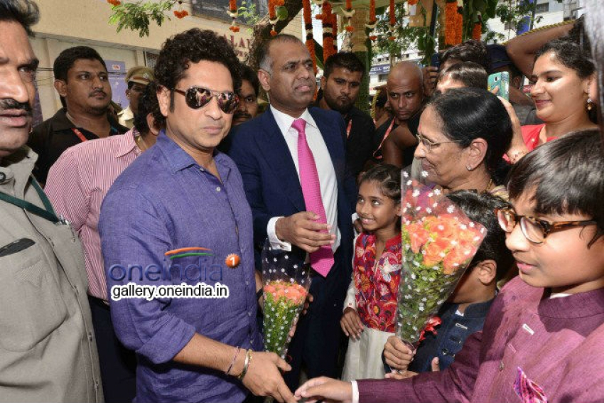 Sachin Tendulkar & Anushka Shetty inaugurated PVP Square Photos