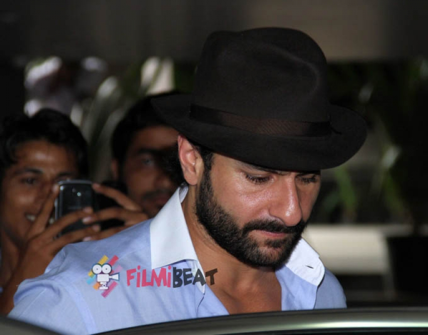 Kareena and Saif Ali Khan snapped at airport Photos