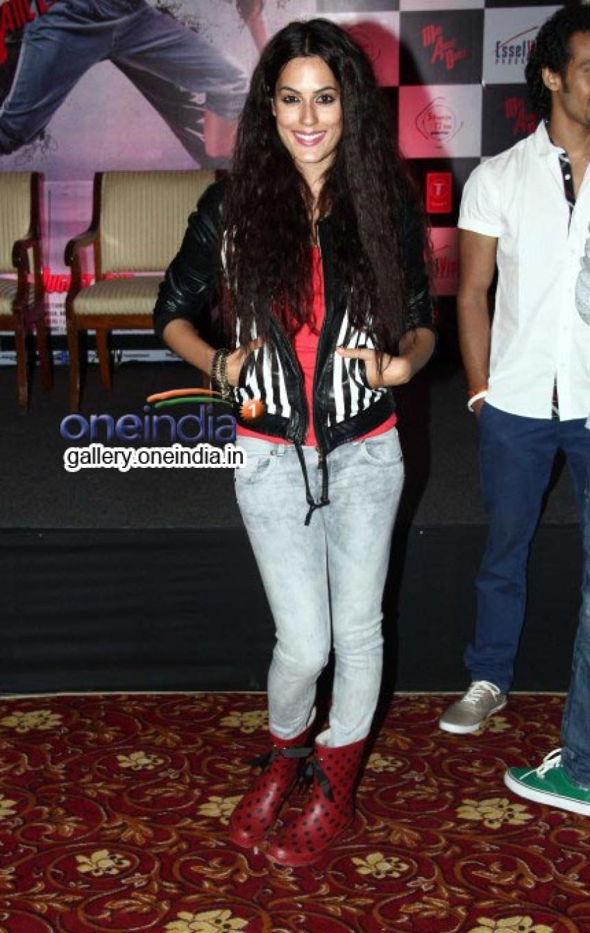 Shahrukh Khan unveils Mad About Dance app Photos