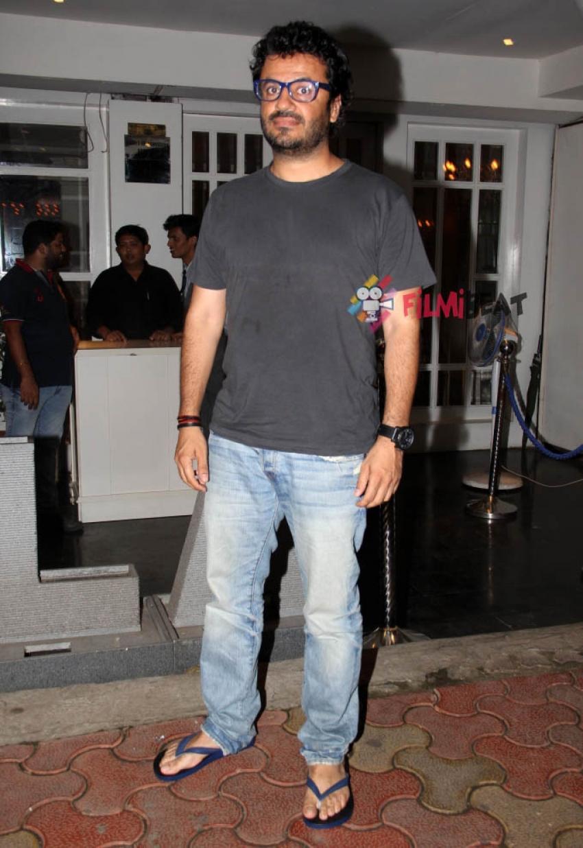 Huma Qureshi snapped at Villa 69 in Juhu Photos