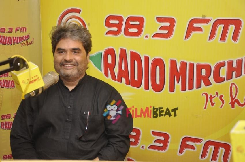 Shahid and Shraddha at Radio Mirchi Photos