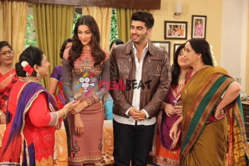 Deepika & Arjun Kapoor promote Finding Fanny on Ye Hai Mohabbatein Photos