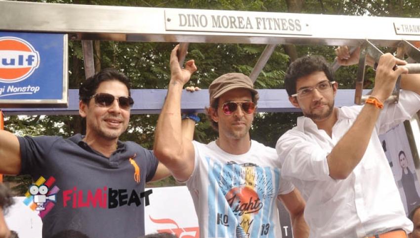 Hrithik, Dino & Aditya Thackeray launch DM Fitness Photos