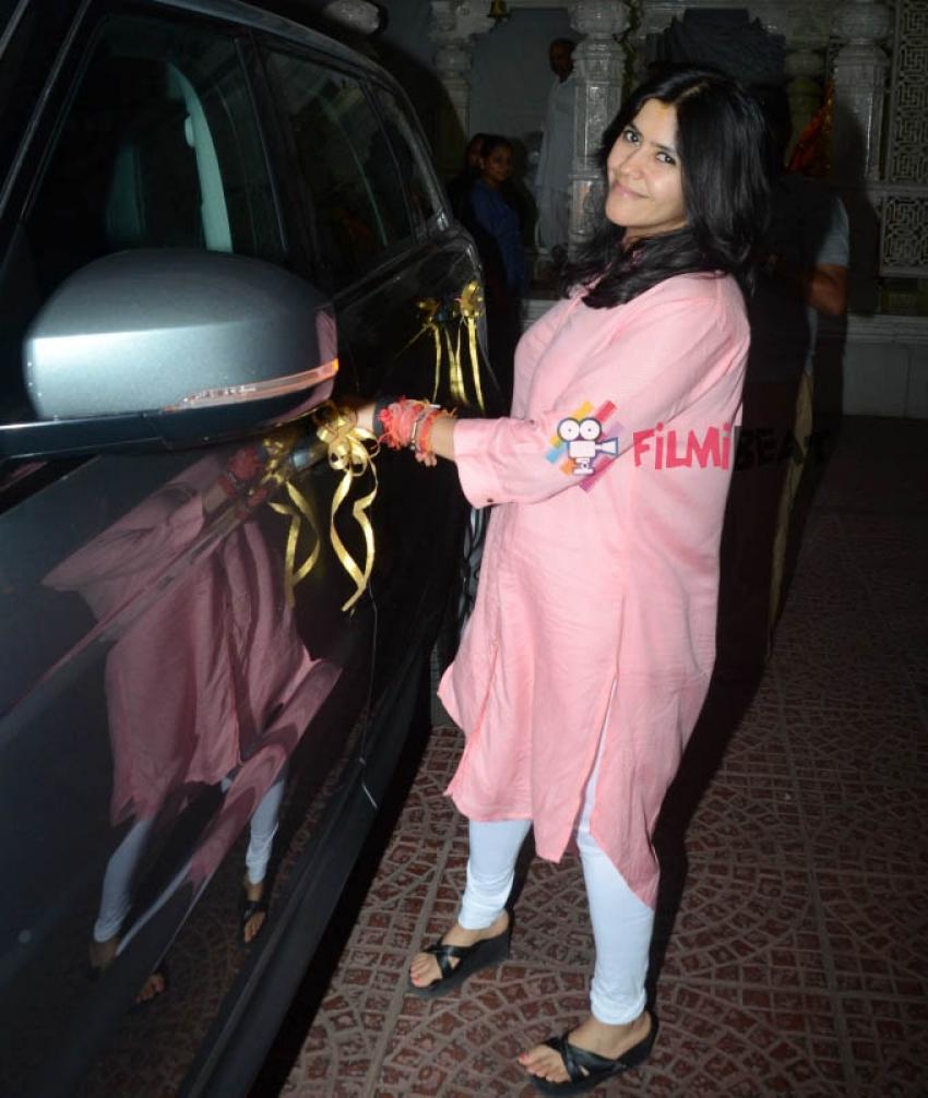 Ekta Kapoor Gifts Mohit Suri A Swanky Range Rover Photos