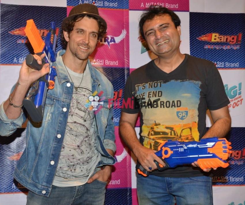 Hrithik Roshan Unveils Bang Bang! Toy Guns Photos