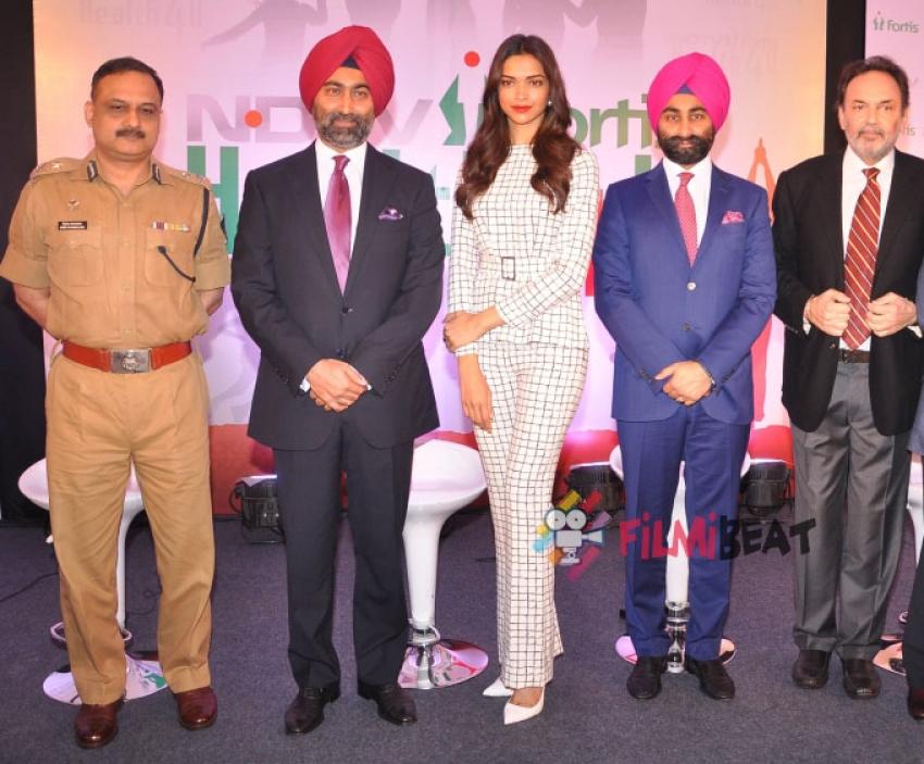 Deepika Padukone Launches NDTV Fortis Health4U Photos