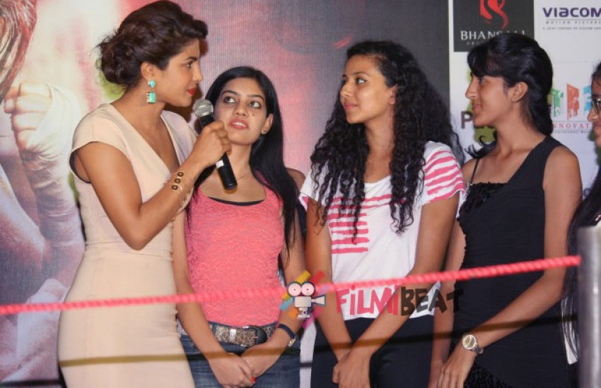 Priyanka Chopra Promotes Mary Kom at New Delhi Photos