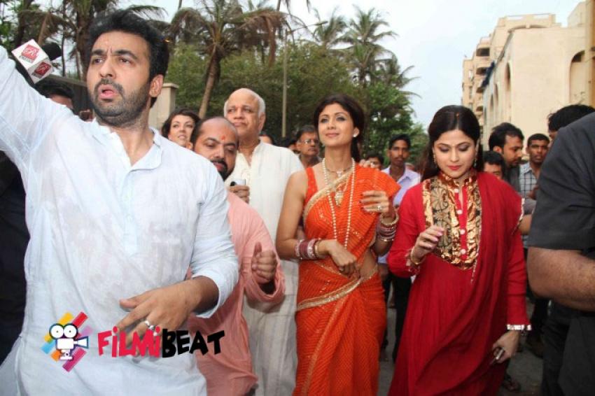 Shilpa Shetty & family Ganpati Visarjan 2014 Photos