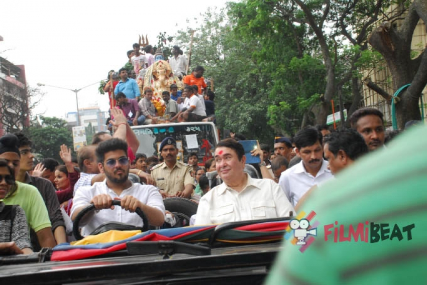 Randhir, Rishi & Rajeev Kapoor's Ganpati Visarjan Photos