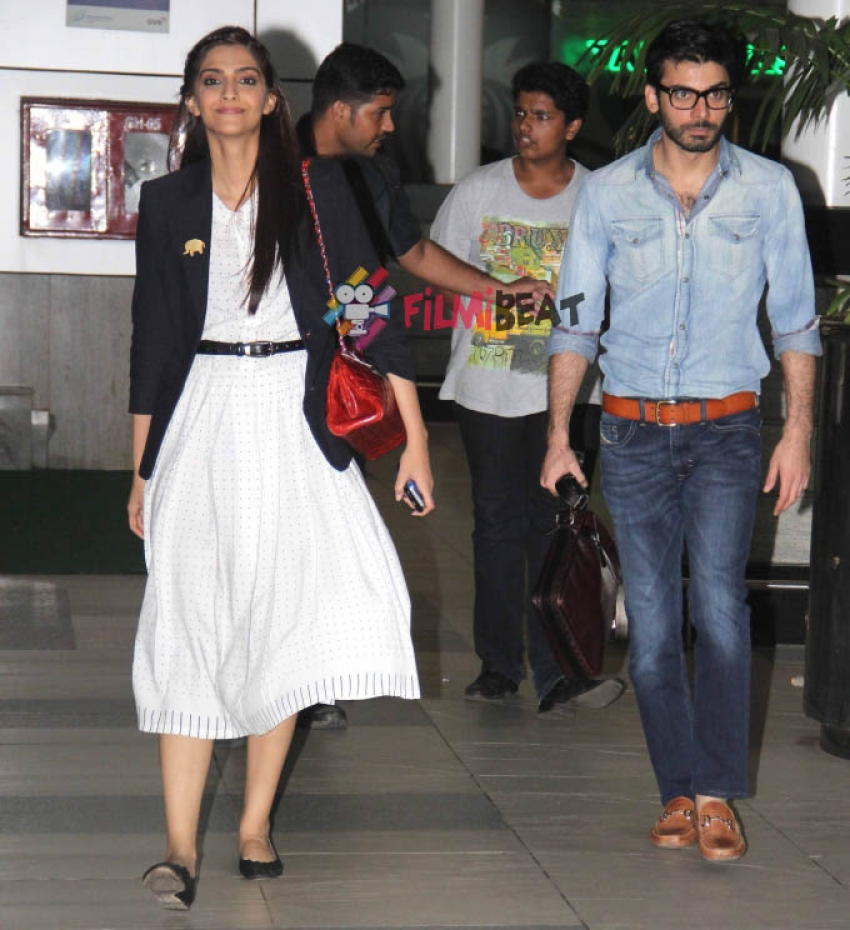 Sonam Kapoor and Fawad snapped at domestic airport Photos