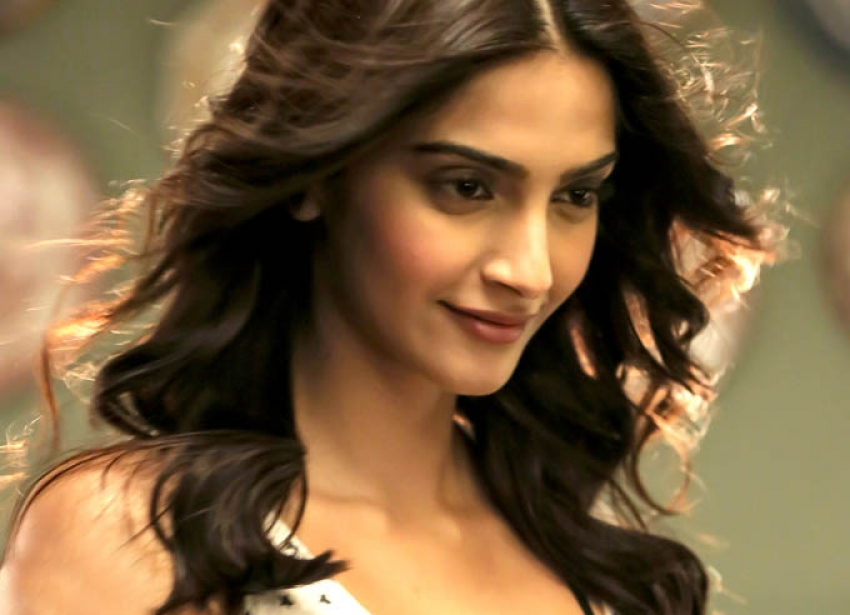 Khoobsurat Photos