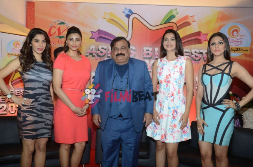 Country Club Of India's New Year Celebrations Announcement Photos