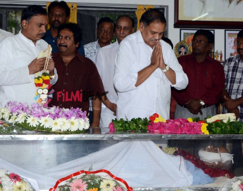 Telugu Director Bapu Funeral Photos