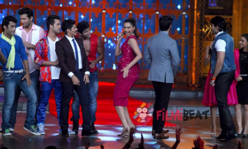 Sonam and Fawad promote Khoobsurat on India's Best Cinestars Ki Khoj Photos