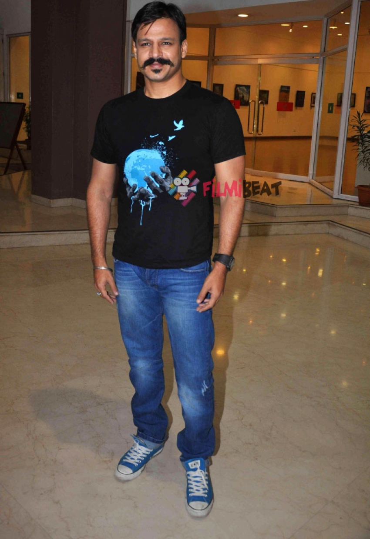 Vivek Oberoi and Kunal Kapoor At Giving Back NGO India Event Photos