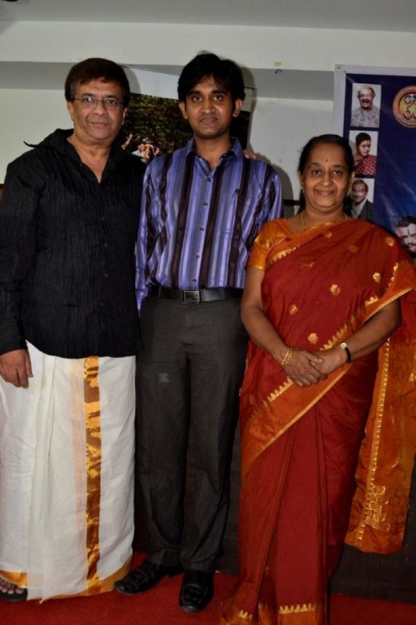 Y Gee Mahendra's Paritchaikku Neramachu Stage Drama Press Meet Photos